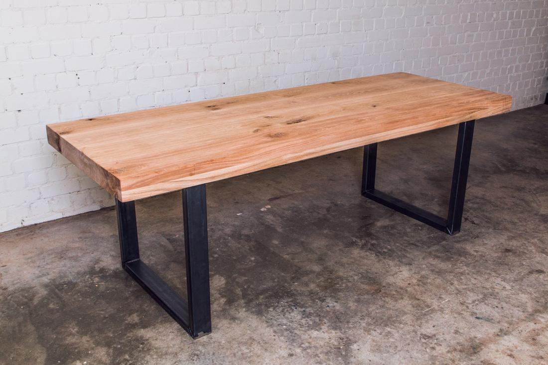 Robuuste Eiken Tafel : Robuuste eiken tafel rené bruns schrijnwerker